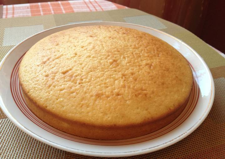 аккуратный круглый пирог