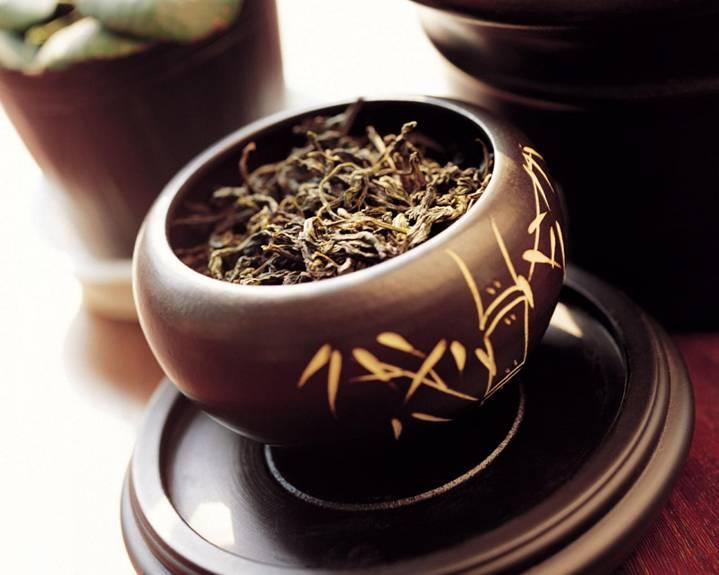 глиняный горшочек с чаем
