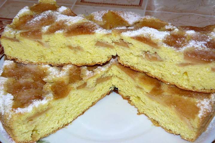 яблочный пирожок