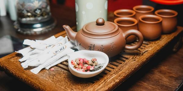 глиняная чайная утварь