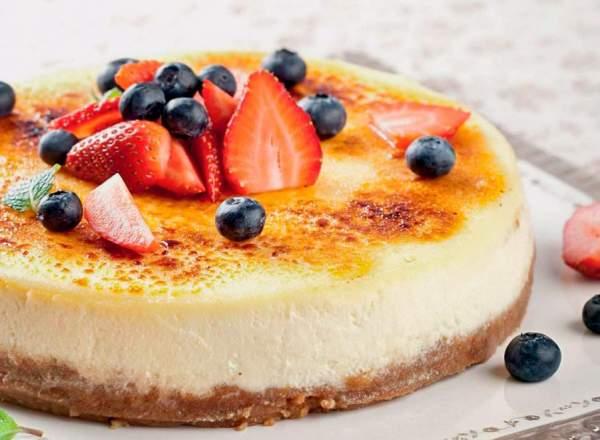 тророжный пирог с ягодами