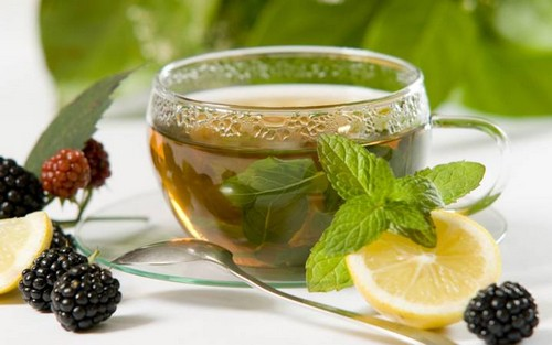 ежевичный чай с лимоном