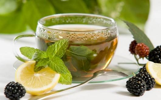 чаек с ежевикой