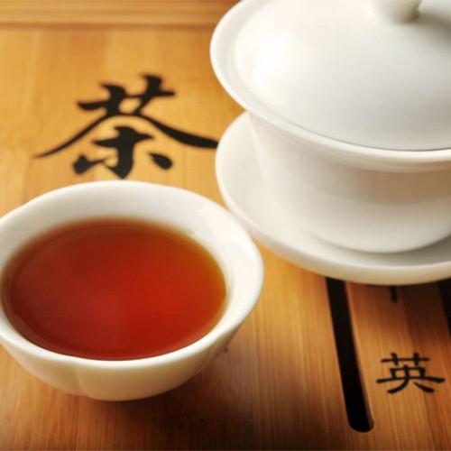 чашечка китайского красного чая