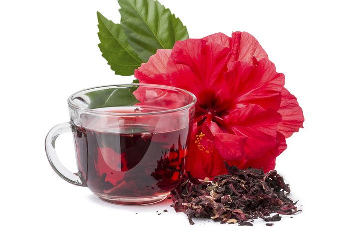 чашка красного чая