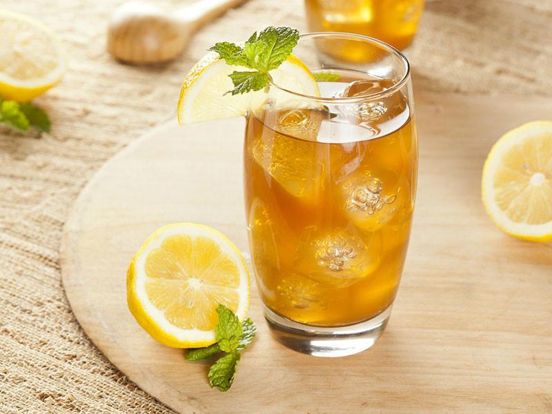 вкусный чай с лимоном