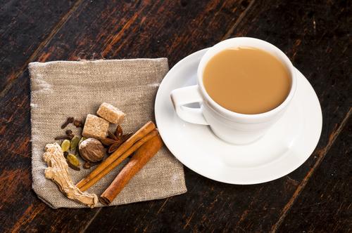 чай с орехом и гвоздикой