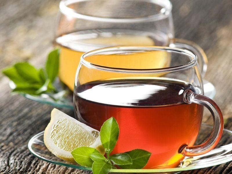 черный чай и лимон